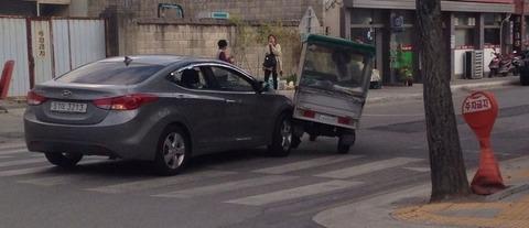 【これは死ぬ】 ヒュンダイ自動車が、衝突事故を起こした結果wwwwwwwwwwwwwwww:ふぇー速