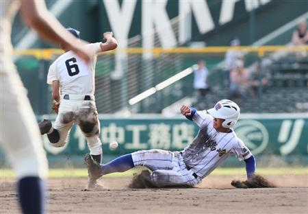 【甲子園】健大高崎が11盗塁、10-0で勝利 → 「点差が開らくと盗塁しないという暗黙のルールを破った」「相手を侮辱している」と批判の声