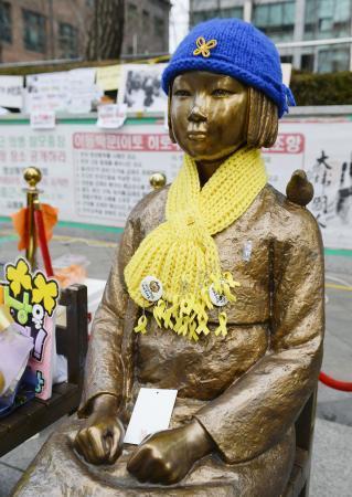 少女像撤去前に10億円拠出検討 日韓合意で政府、韓国財団へ - 共同通信 47NEWS