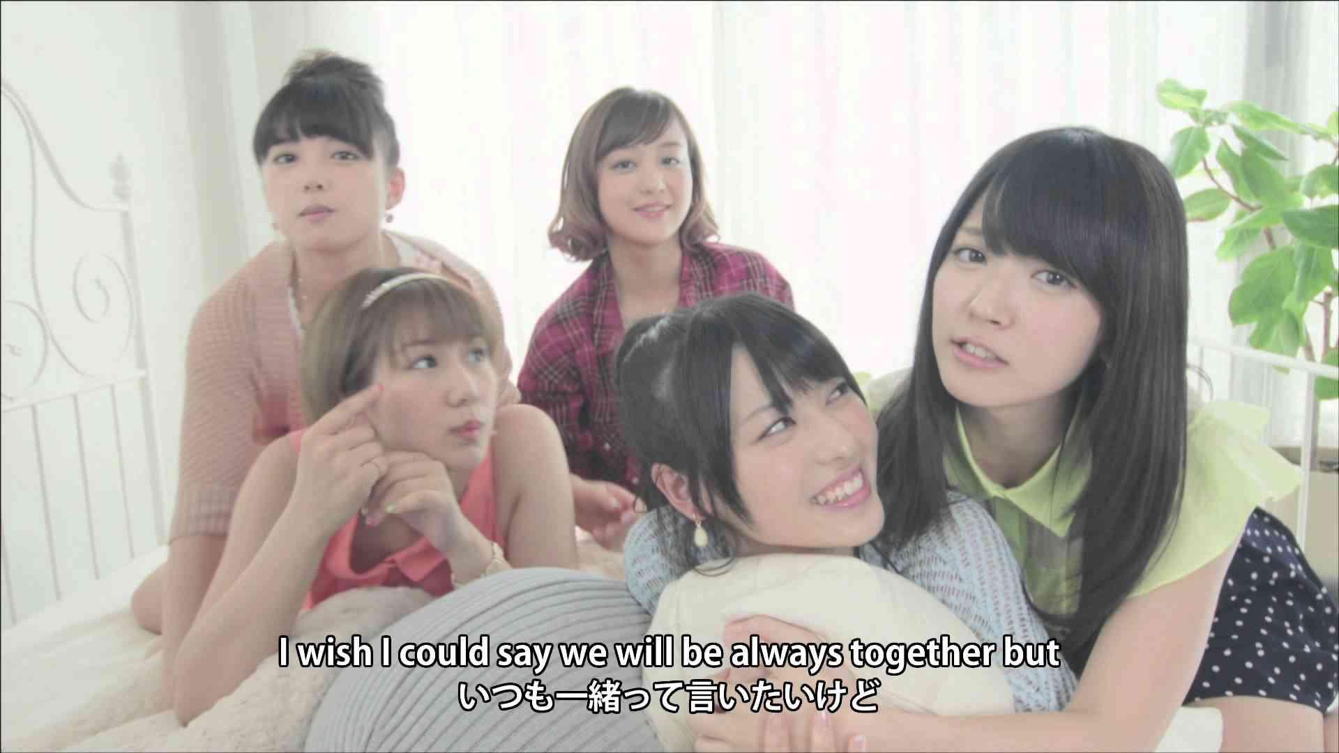 ℃-ute『ベーグルにハム&チーズ』(MV) - YouTube