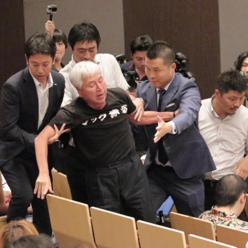 マック赤坂氏「ちょっと待った!」都知事選候補者討論会に乱入も退場処分 : スポーツ報知