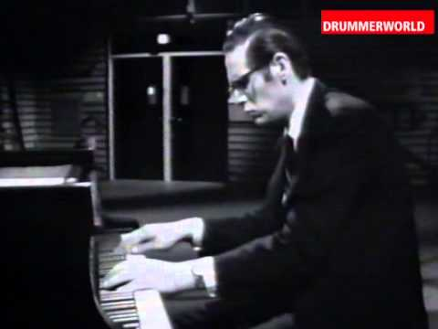 Alex Riel - Bill Evans - Eddie Gomez: Autumn Leaves - 1966 - YouTube