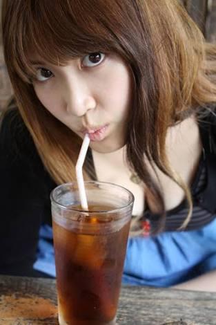 紗栄子の美ヒップに釘付け!ビキニ姿でヘルシーボディ開放