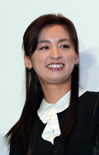 尾野真千子 EXILEが所属する芸能事務所「LDH」の役員と結婚