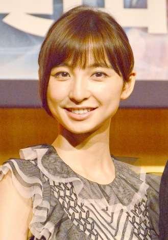 篠田麻里子「最後のお仕事」に共演者どよめく AKB48卒業後初舞台で気合