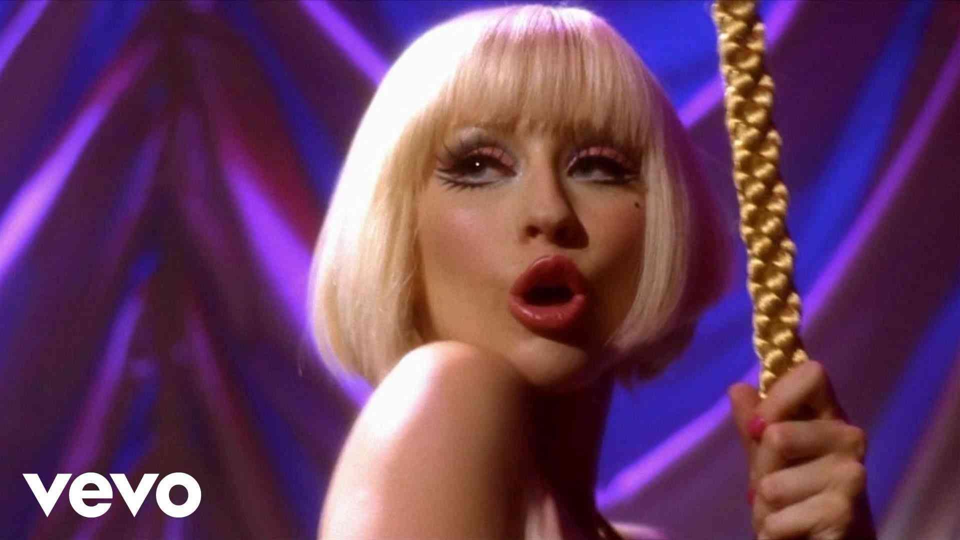 Christina Aguilera - I'm a Good Girl (Burlesque) - YouTube