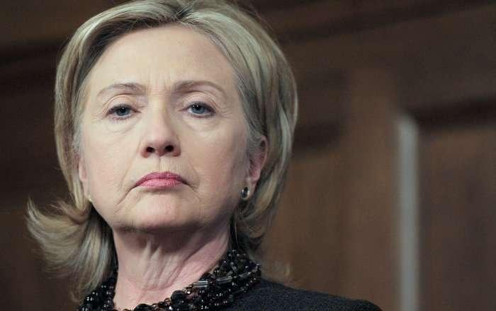ソーシャルネットワークでヒラリー・クリントン氏の影武者が話題に(写真)