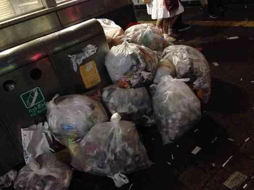 2ちゃんねらー「キンコン西野が渋谷を清掃する前に全部片付けようぜw」 ハロウィンのゴミを清掃企画 | ゴゴ通信