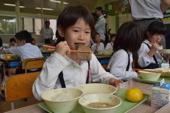 小中学校給食に1枚6000円の佐賀牛ステーキが出される! 佐賀県