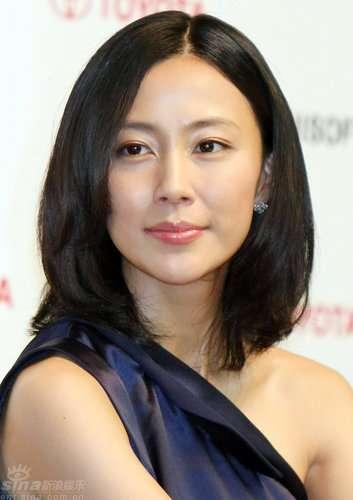 木村佳乃 1億円ジュエリー身につけ英国大使公邸へ ロンドン生まれで「親近感ある」