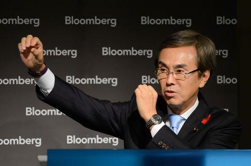 石原再生相:消費税率12、13、15%への引き上げ問い掛け選挙を - Bloomberg