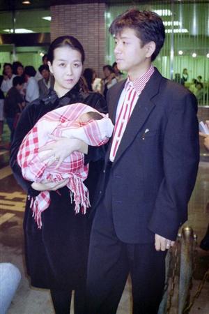藤井フミヤ長男・藤井弘輝、フジのアナウンサーに!両親が見守る中で入社式