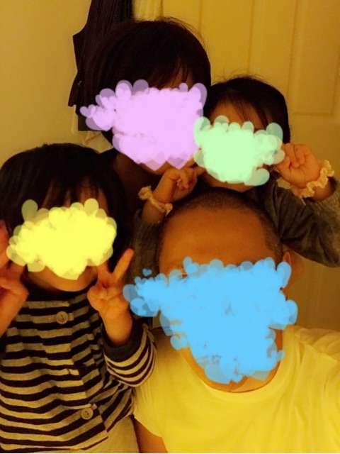 市川海老蔵 家族写真公開し「4人が繋がると幸せが50倍位感じる」