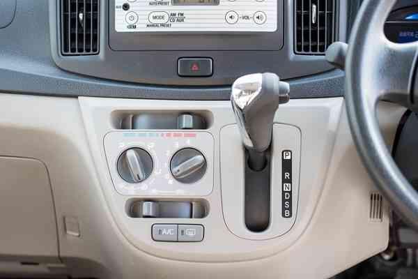 なぜ欧州ではMT車、日本ではAT車が売れるのか | ZUU online