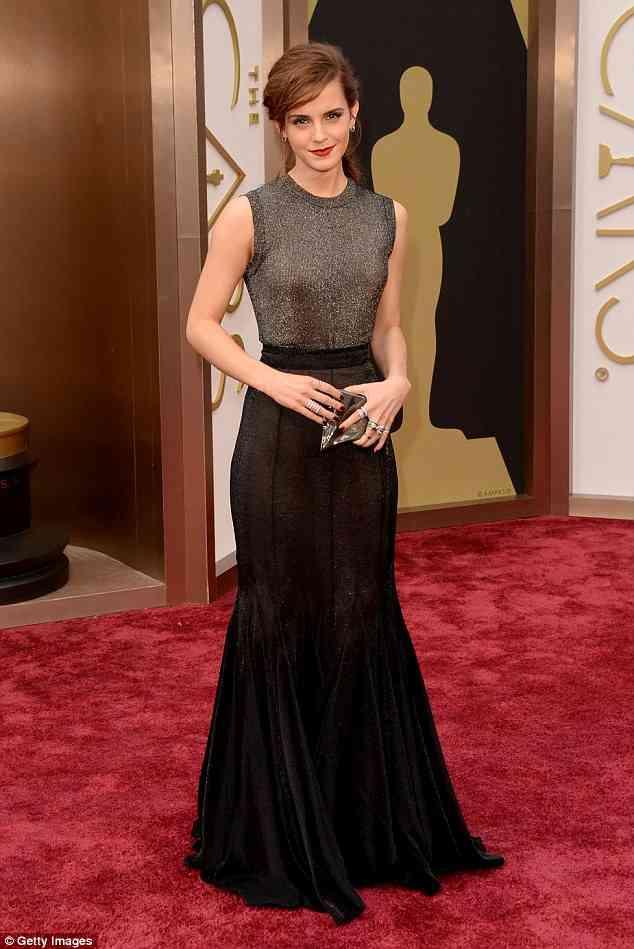エマ・ワトソン、透け感ドレスで魅了!ウーマン・オブ・ザ・イヤーに