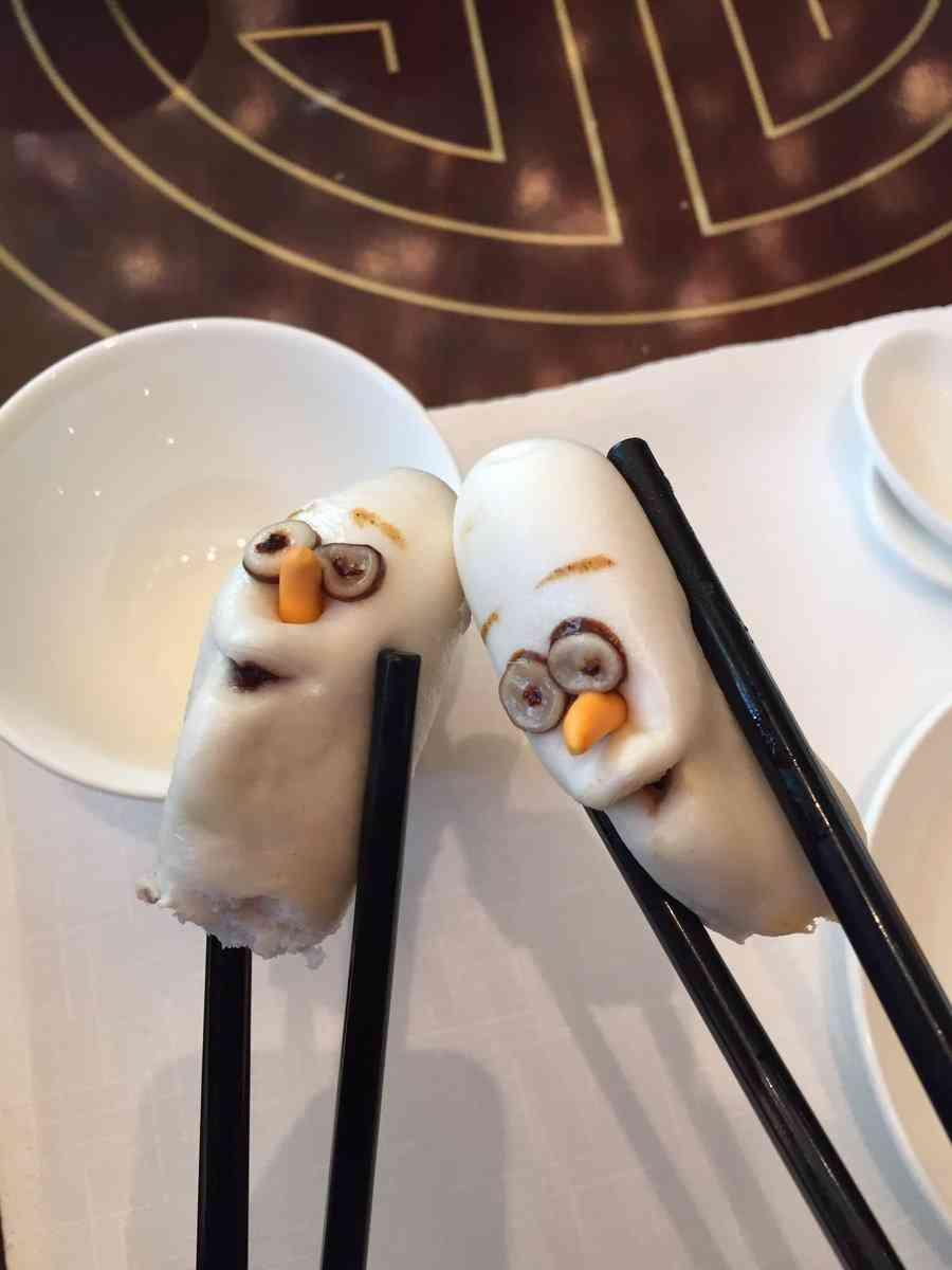 香港ディズニーランドの飲茶のオラフの表情がなんとも言えないwww