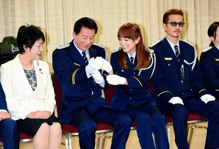 浜崎あゆみの刑務所ライブ、仕掛け人は特別矯正監の杉良太郎