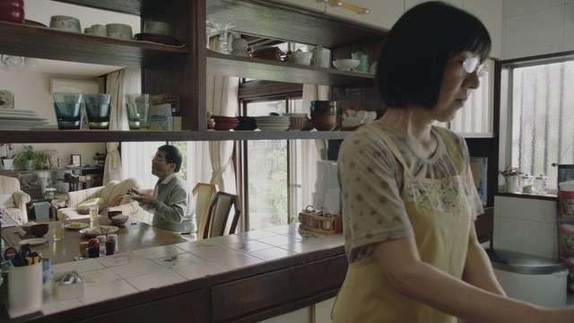 阿佐ヶ谷姉妹・江里子が森永卓郎と熟年夫婦役「液体塩こうじ」新CM - お笑いナタリー
