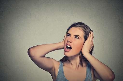 頭の中で同じ曲がグルグル何度も流れてくる現象は何故起きる?その止め方は?