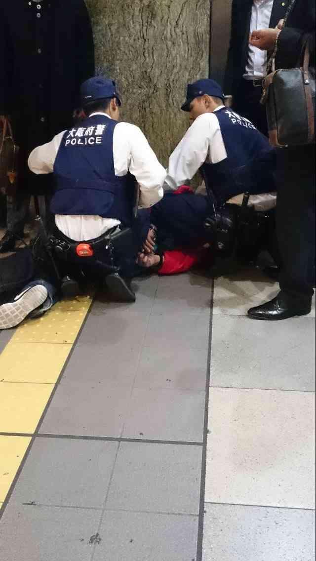 41歳男、バット振り回す=JR天王寺駅、6歳女児重傷-大阪