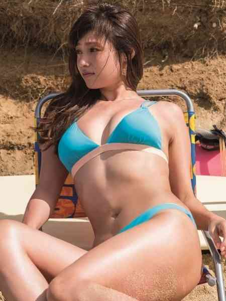 深田恭子のセクシー美ボディにうっとり 色気放つパーツを切り取る