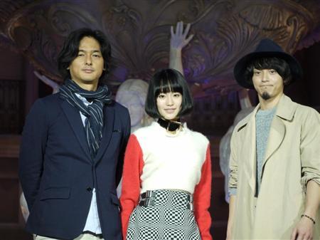 小林武史&akkoの長女・越野アンナ、お台場で熱唱「毎日がキラキラ」