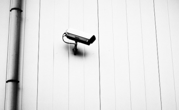 盗聴器を探す番組ロケで設置した防犯カメラで窃盗の容疑者が発覚し逮捕! | ギガボ!