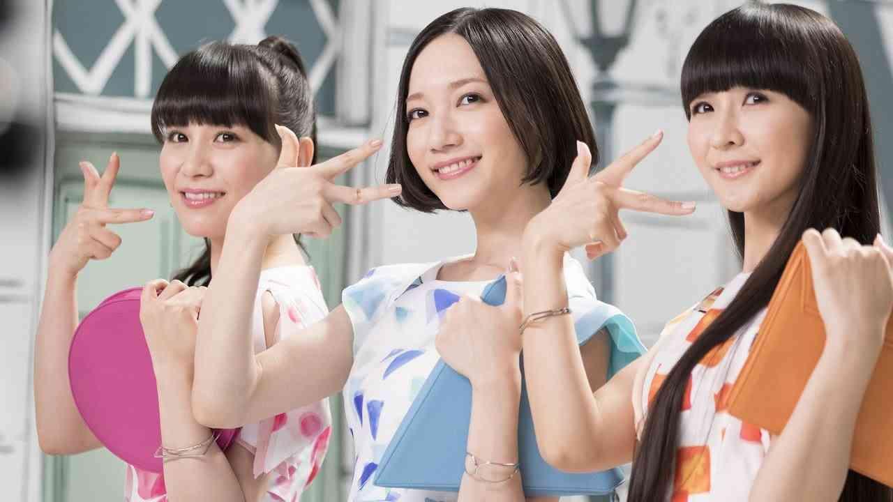 """Perfume、念願かなって""""歯みがき""""CM出演 サンスター『Ora2(オーラツー)』新CM『Ora2×Perfume All Day くちもとBeauty』篇 - YouTube"""