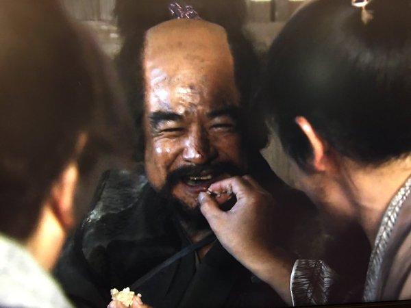 NHK大河真田丸、おっさんが互いの米粒食べあう謎展開wwwwww:ハムスター速報