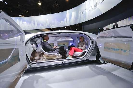 自動運転車、米で交通事故90%削減も=マッキンゼー - WSJ