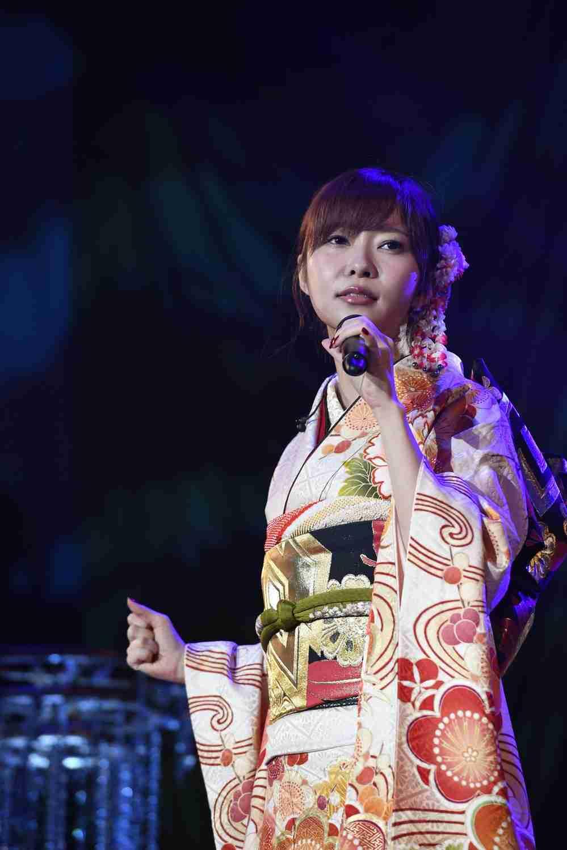 全文表示 | サッシー人気、支えているのは中高年オッサン ディナーショーも昭和歌謡オンパレード : J-CASTニュース