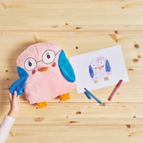 子どもたちの描いた絵がぬいぐるみになるコンテスト。選ばれたものは世界中で販売へ!