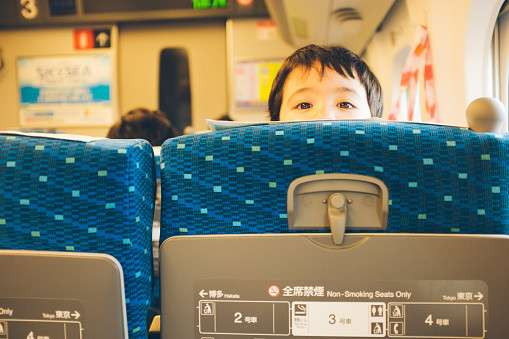 「グリーン席で騒ぐ母子は生きている必要なし」大作家の蔑視発言は放置できない - Spotlight (スポットライト)