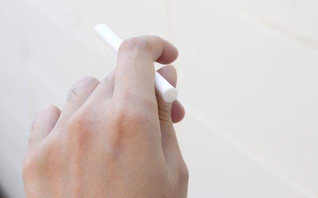 母親「子どもがいるんだからタバコの煙、気を付けてよ!」 いやいや、ちょっと待って!  –  grape [グレイプ]