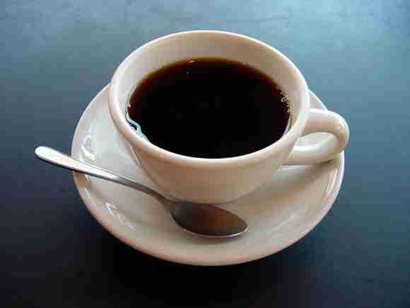 朝起きてすぐにやってはいけないこと6つ「コーヒーを飲む」など | ロケットニュース24