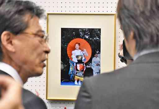 自殺した女子生徒の写真展示/黒石の催し (Web東奥) - Yahoo!ニュース