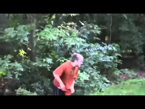 【速報】ニート息子発狂!父親、ゲームを芝刈り機で粉砕! - YouTube