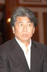 鳥越俊太郎氏 「流行語大賞」選考員会から名前消滅 (リアルライブ) - Yahoo!ニュース