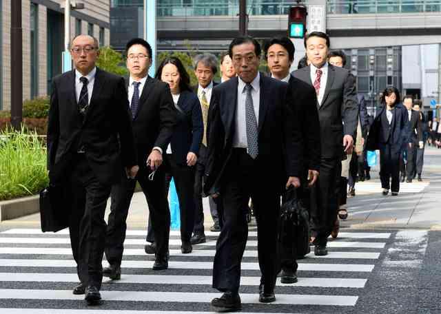 電通本社と3支社に大規模な強制捜査 労基法違反の疑い:朝日新聞デジタル