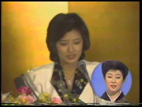 森光子さん司会「三時のあなた」 百恵友和さん婚約会見(1) - YouTube