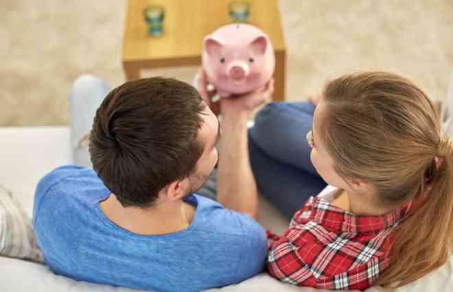 """""""お小遣い""""は過去のもの? 共働き夫婦、6割以上がお金を別々に管理 - ウートピ"""