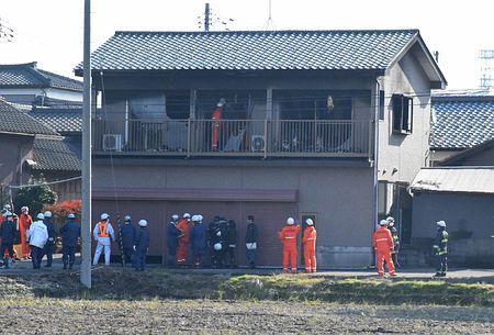 新潟4人死亡火災、灯油成分検出…心中図った可能性
