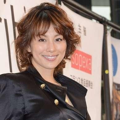 米倉涼子、別居から1年以上、いまだに離婚できない「複雑な事情」 | ビジネスジャーナル