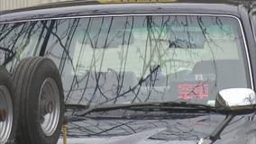 タクシー運転手意識失う 乗客がハンドル操作し停止
