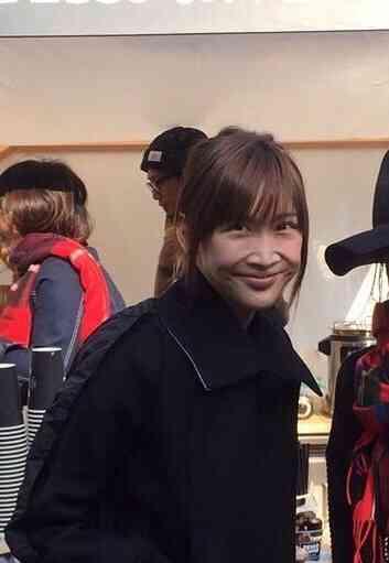 """紗栄子、抱きしめたくなる""""ほわほわガール""""に 美背中も大胆披露"""