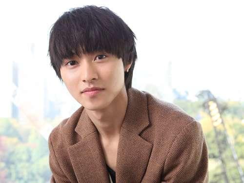 山崎賢人のゴリ押しにはウンザリ…何故、彼はここまでドラマ、映画に出演出来るのか?