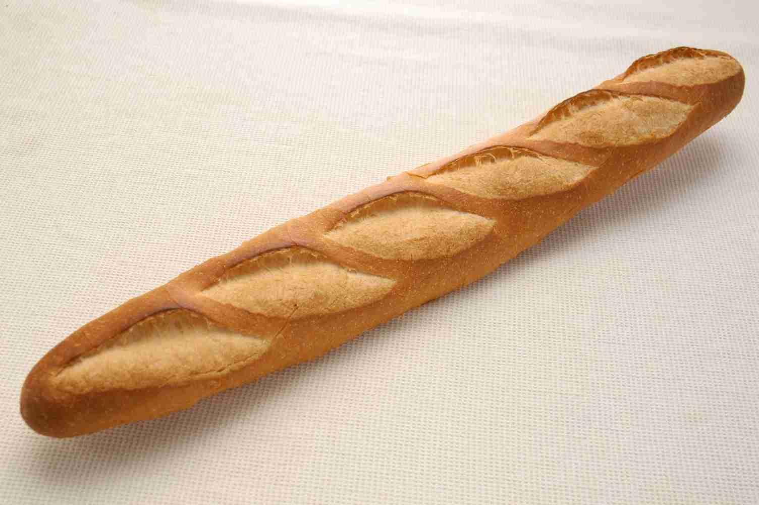 「パンが長すぎる?じゃあこうしよう」 フランス人の『謎すぎるこだわり』