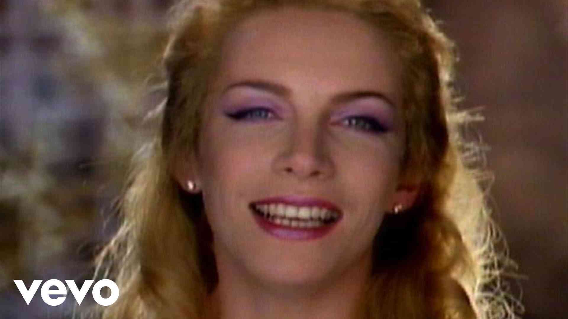 Eurythmics - There Must Be An Angel (Playing With My Heart) - YouTube