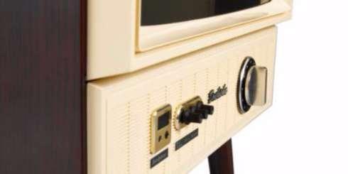 昭和の香りがする 70年代のブラウン管テレビみたいな液晶テレビが発売