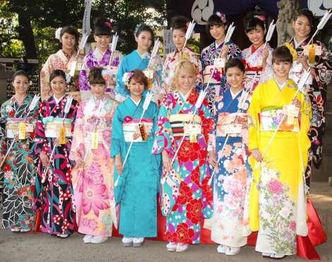 E-girls、HIROからのお年玉に大喜び「いっぱいもらいました」 | ORICON STYLE